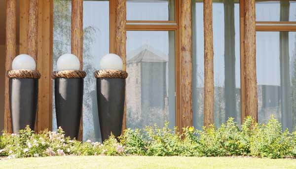 terrassen dekoration bert pfe gef e f r innen au enbereich. Black Bedroom Furniture Sets. Home Design Ideas