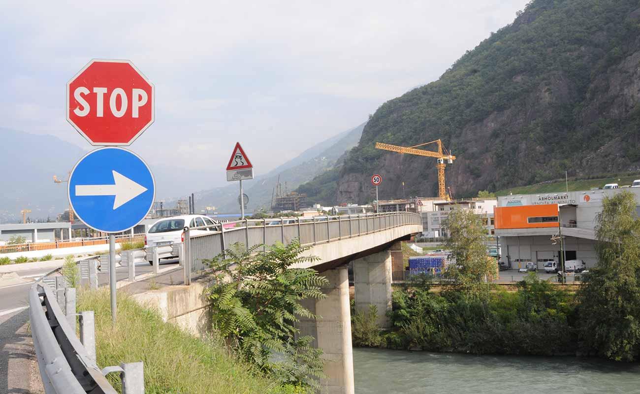 Lage Anreise Dekorwelt In Meran In S Dtirol Italien